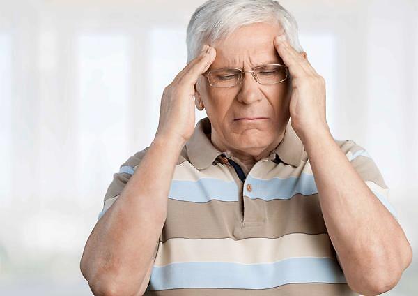 老人有4个表现,或是老年痴呆的症状,如何预防老年痴呆