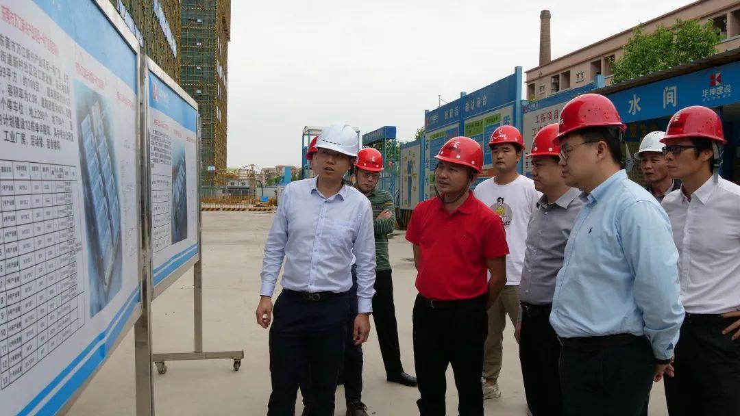 万江大力推进新兴产业项目厂区建设,首栋产业楼力争8月底前建成