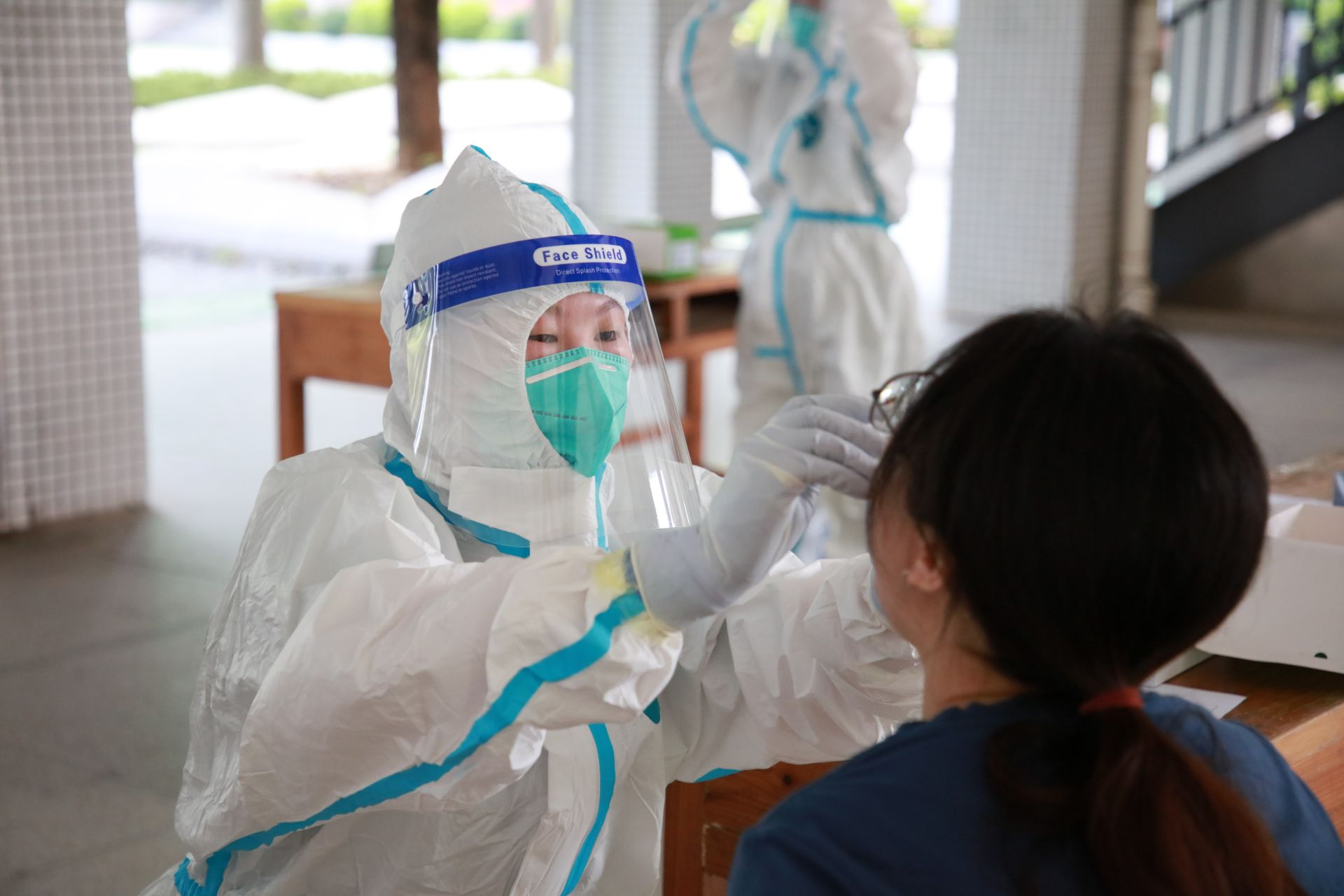 石龙考生与涉考工作人员全员核酸检测